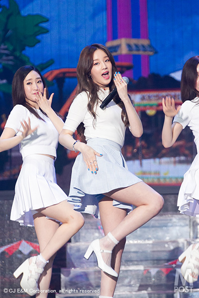 20150422_KCON_MC_Boram02